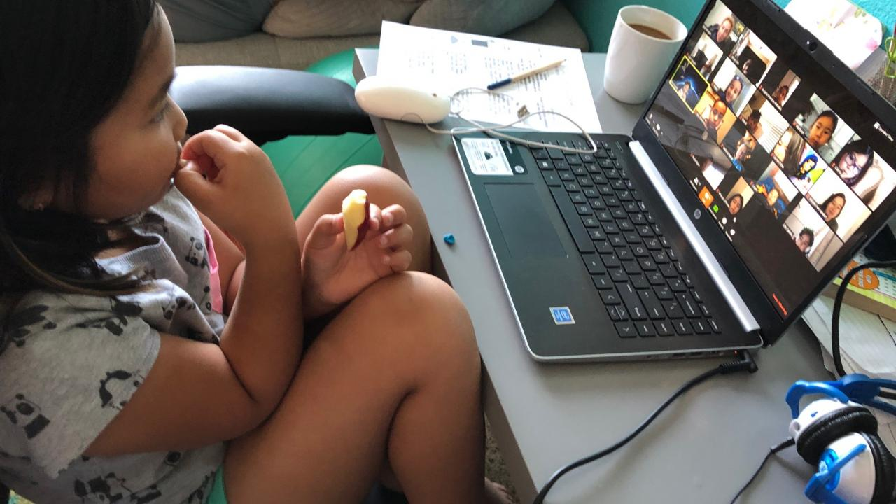 child and laptop